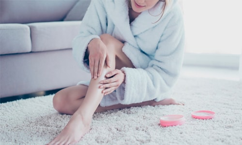 ce cauzează mâncărimea picioarelor roșii